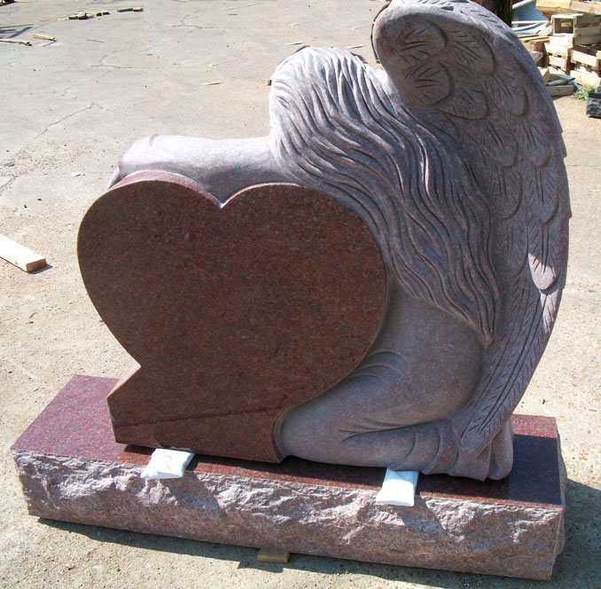 AN-01 India Red Granite Angel Monument with Polished Heart and Vase